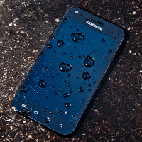TekDry-DryBox-save-wet-smartphones-from-watery-graves.jpg